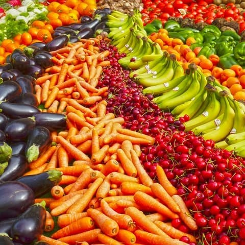 Eat fruit and vegetables to combat acne